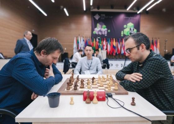 Leinier cae y Ding Liren avanza Foto: https://khantymansiysk2019.fide.com/en/