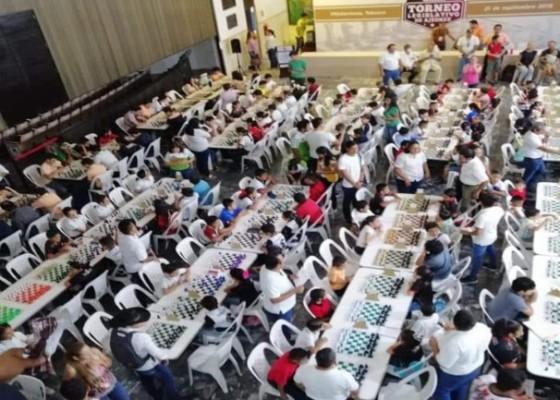 Diputados de Morena reúnen a 172 jugadores