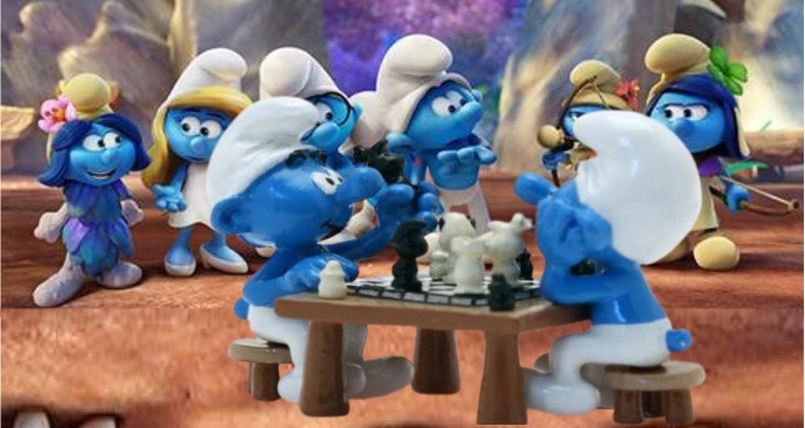 pitufos jugando ajedrez